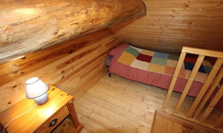 Gîtes de France - Mezzanine avec 2 lits en 80 (mansardée basse, idéale pour les enfants)