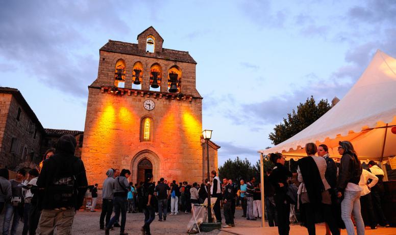 ©M.Dupont-ADT07 - Eglise de Payzac