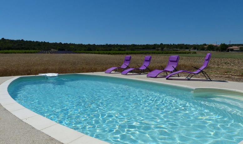 Gîtes de France - Farniente en bord de piscine
