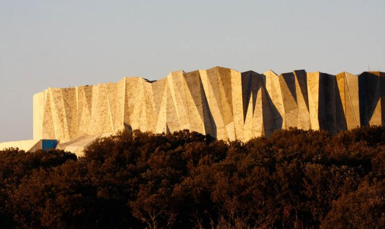 ©SYCPA-Sébastien-Gayet-ADT07-Caverne-du-Pont-dArc-Conception-Fabre-Speller-Architectes-Atelier-3A-F.-Neau-Scène-Sycpa - Caverne du Pont-d'Arc