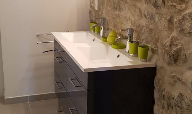 Clévacances - Salle de bains : meuble double vasque