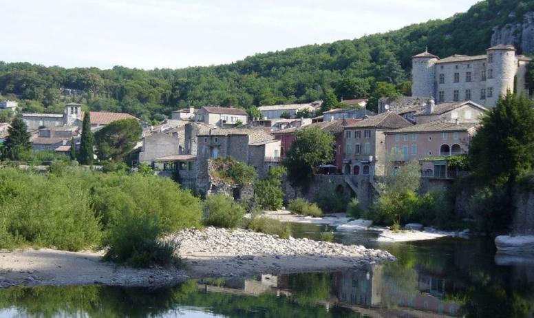 """Clévacances - Classé """"5ème village préféré des Français en 2016"""" !"""
