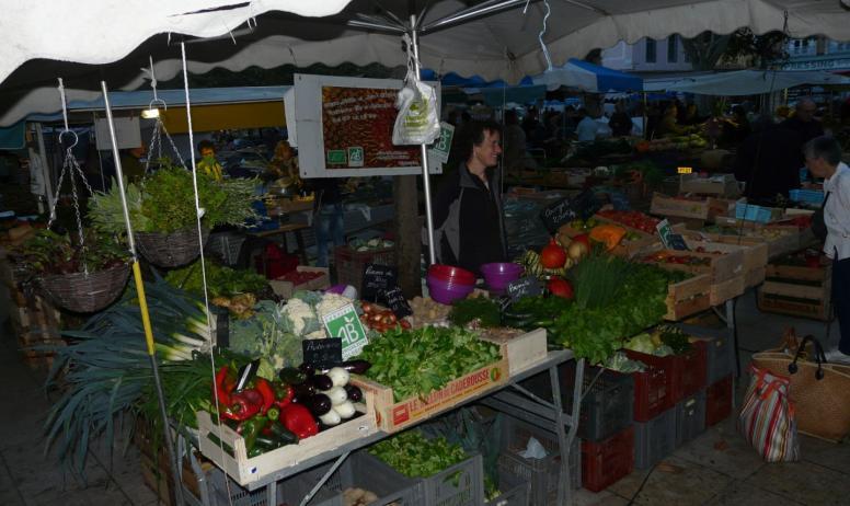 Ferme du Maninet - Etale du marché