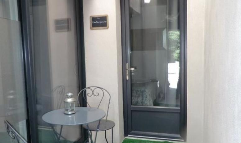 Gîtes de France - accès à la chambre contemporaine