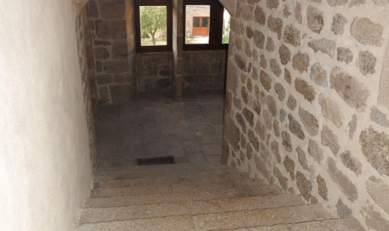 Agnès Desbos - Escaliers du Château de Bellecombe