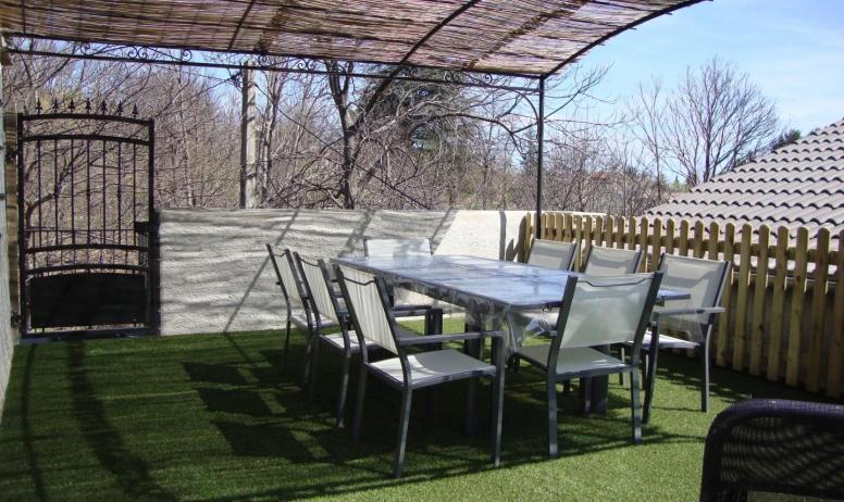 Gîtes de France - Terrasse ombragée
