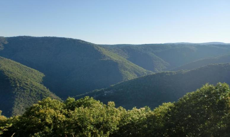 Gîtes de France - Vue depuis la montagne du Serre de Barre