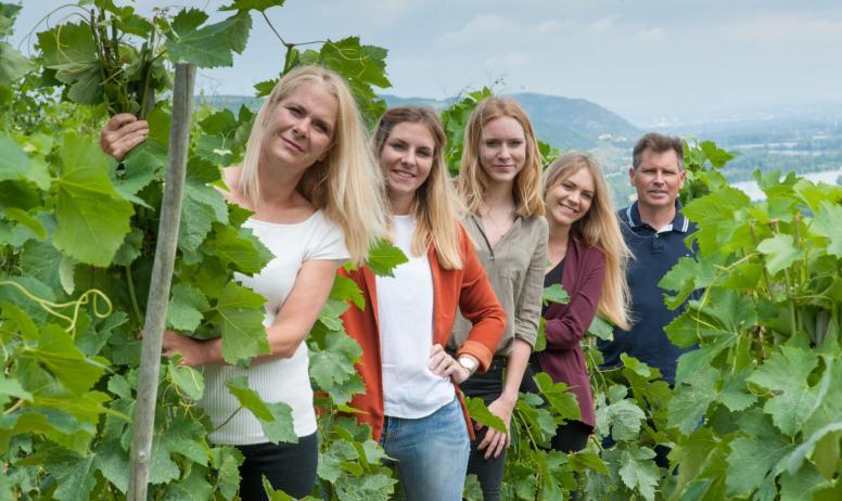 Domaine Mucyn - la famille dans les vignes