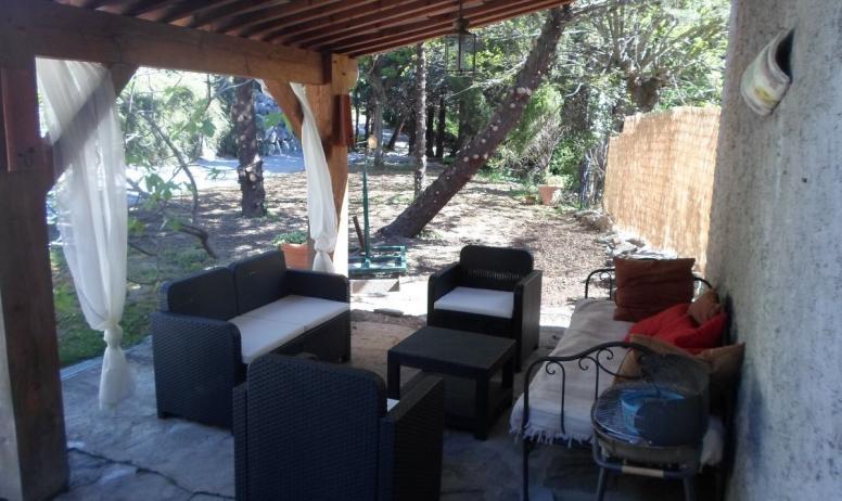 Clévacances - terrasse chambres d'hotes