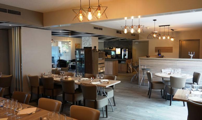 Une salle de restaurant toute neuve