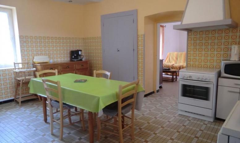 Gîtes de France - Par la cuisine vous avez accès à la salle à manger