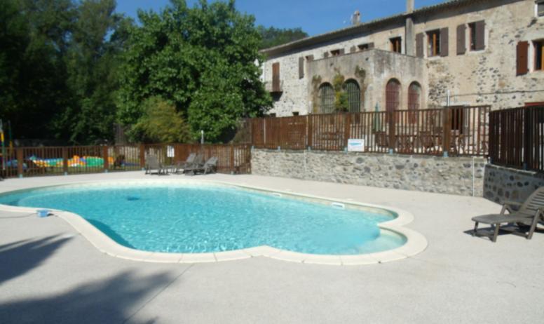 Et si on profitait de la piscine du Camping ? Elles sont pas belles les vacances en Ardcèeh ?!