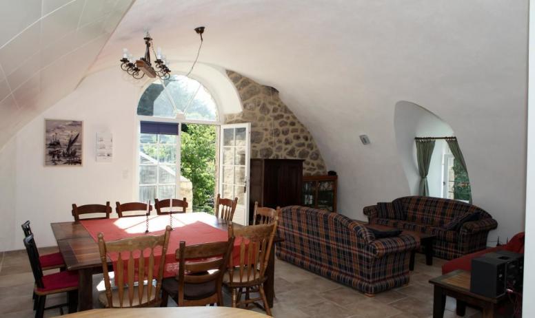 Gîtes de France - Le salon et la salle à manger de l'Atelier