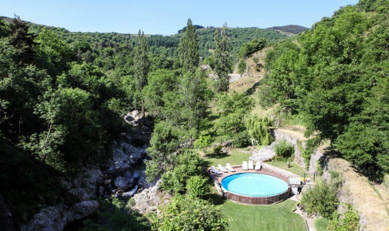 Gîtes de France - Piscine, jardin et rivière