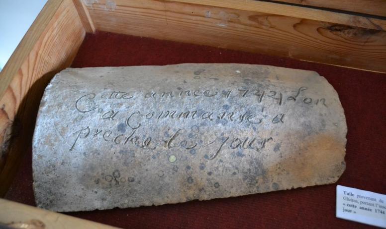Jipéhès Musée du Vivarais Protestant. - Tuile